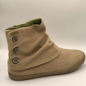 Women's Blowfish Size 38.5 (8) Tan Canvas Sneakers